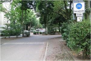 Querspange an der Rosastraße: Für RadfahrerInnen unübersichtlich und gefährlich